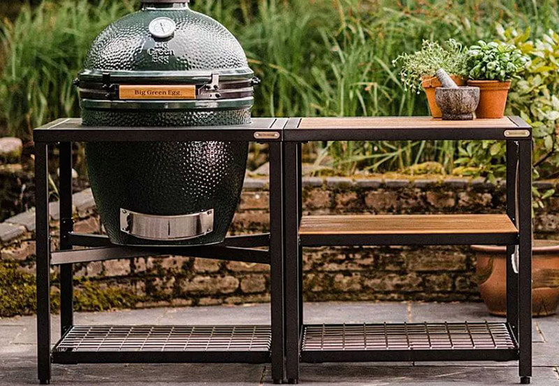 Compare big green egg vs gas grill